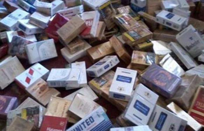 التحفظ على 1380 علبة سجائر مجهولة المصدر داخل مخزن بالخليفة