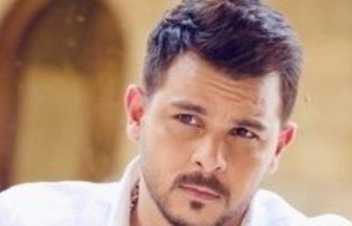 """محمد رشاد يطرح اليوم أغنيته الجديدة"""" أنا مش شمتان """""""