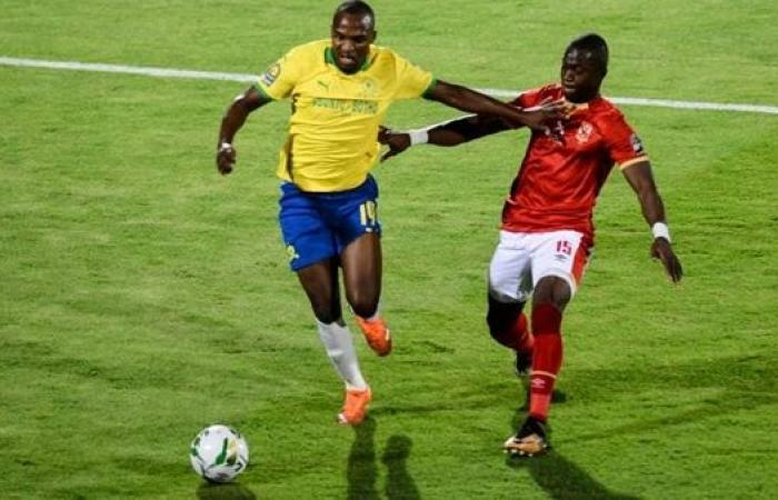 نجم الأهلي السابق: ديانج لديه عرضين من الدوري الفرنسي