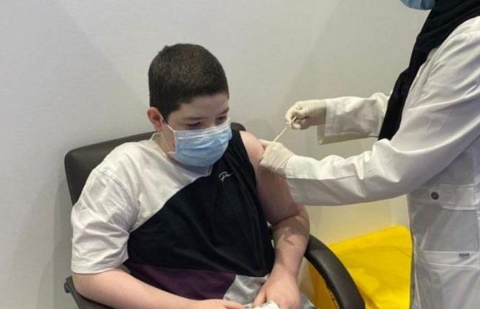 بدء تطعيم الفئة من 12 - 18 عامًا في المدينة المنورة
