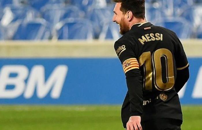 من أجل عيون ميسي.. برشلونة يعرض نجم الفريق للبيع
