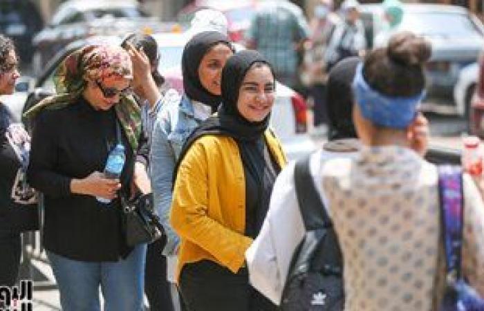 393 ألف طالب بالثانوية العامة يبدأون امتحانى الجيولوجيا والتفاضل والتكامل