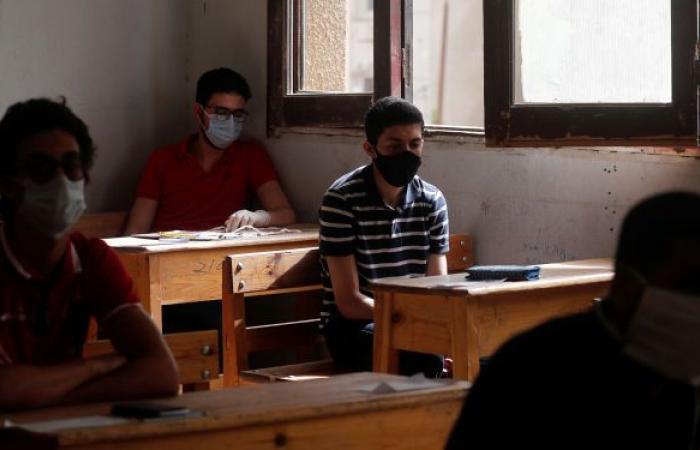 طالب مصري يحصل على الثانوية العامة في عمر 73 عاما
