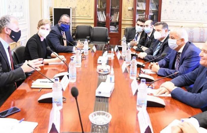 نائب التنسيقية محمد عبد العزيز يشارك فى لقاء السفير الأمريكى
