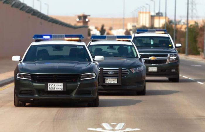 شرطة مكة تطيح بمواطنين سرقا حقائب اليد النسائية بجدة