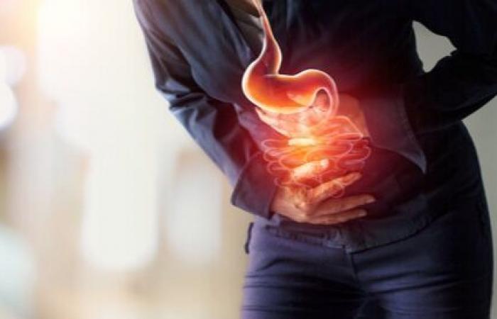 10 مهيجات لـ الحموضة و7 أعراض .. فاحذر منها