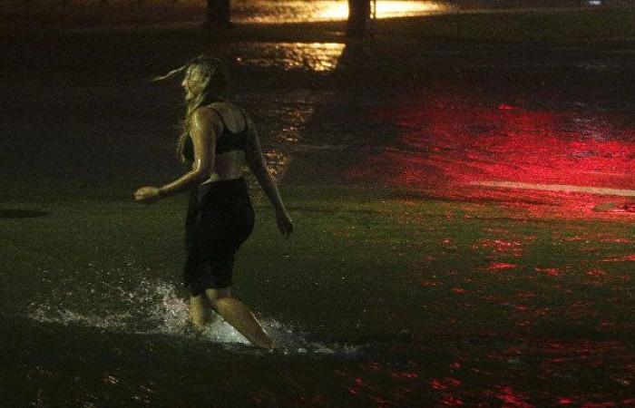 مركز الأعاصير الأمريكي: لاري يشتد ليتحول لإعصار من الفئة الثانية
