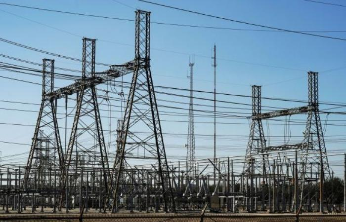 سوريا ترحب بطلب لبنان نقل الغاز المصري والكهرباء من الأردن عبر أراضيها