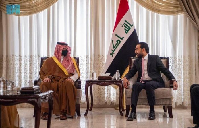 عبدالعزيز بن سعود يعقد جلسة مباحثات رسمية مع نظيره العراقي لبحث سبل التعاون