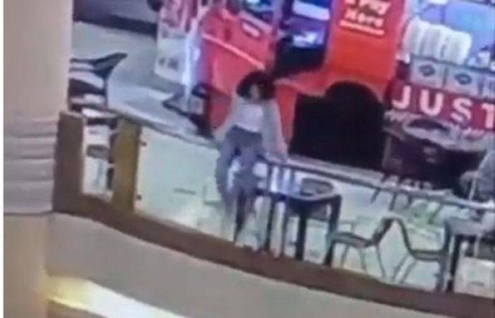 وفاة فتاة بعد سقوطها من الطابق السادس بأحد مولات القاهرة