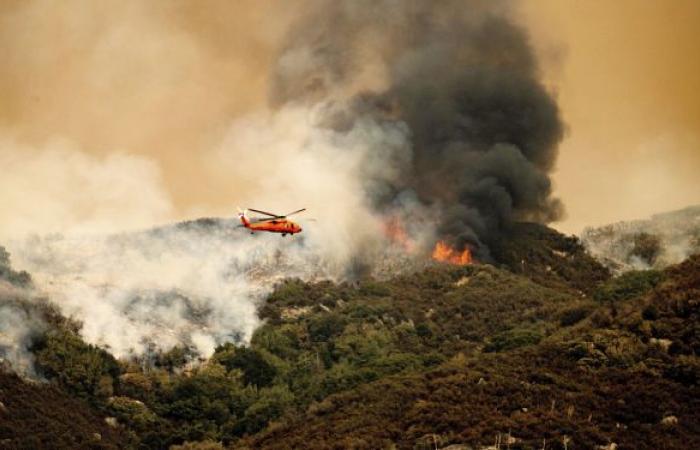 حريق كبير في معسكر للمهاجرين بجزيرة ساموس اليونانية