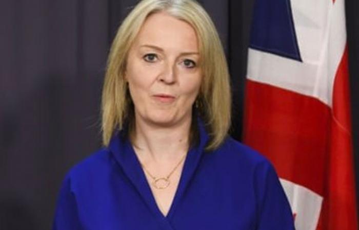 وزيرة خارجية بريطانيا تدعو إيران للعودة إلى مفاوضات الاتفاق النووي