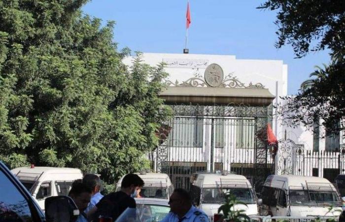 مواطنون يتصدون لـ«إخوان تونس»: لا عودة لبرلمانكم
