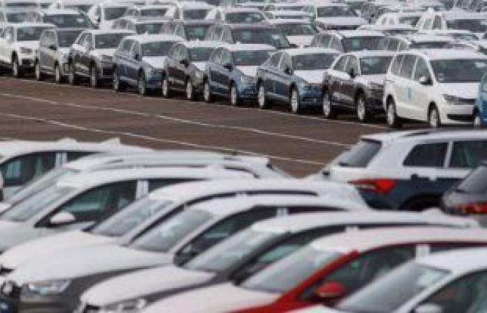 مكافحة التهرب الجمركى بالقاهرة تضبط 9 سيارات معفاة من الضرائب بأحد المعارض
