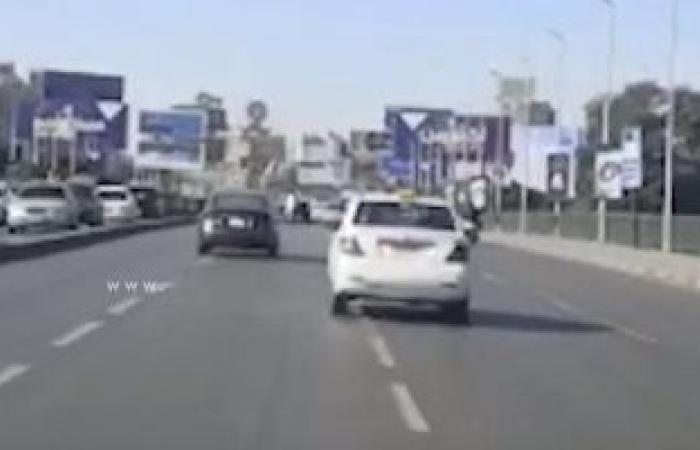 النشرة المرورية.. انتظام الحركة بطرق ومحاور القاهرة والجيزة واختفاء التكدسات