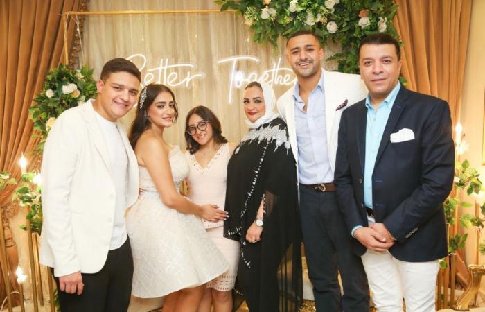 مصطفى كامل يحتفل بخطوبة ابنته فرح فى جو عائلى.. صور