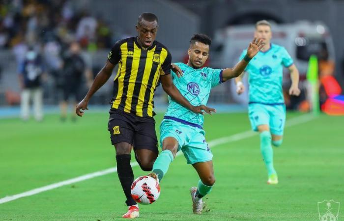 اتحاد القدم موضحًا : الـ VAR لم يتعطل بـ مباراة الأهلي والاتحاد