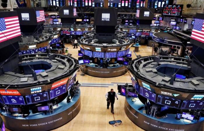تعاملات الجمعة.. مؤشرات الأسهم الأمريكية تغلق على صعود