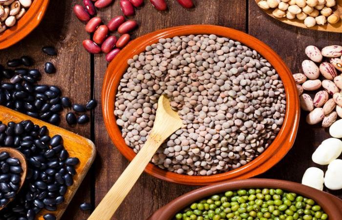 من طبق الفول لشوربة العدس.. تعرف على فوائد البقوليات لصحتك