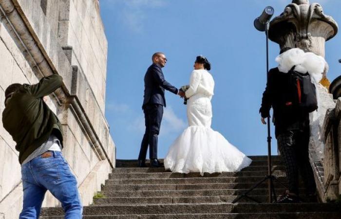 مصور يثير جدلا بحذفه صور حفل زفاف عروسين بعد رفضهما حصوله على استراحة