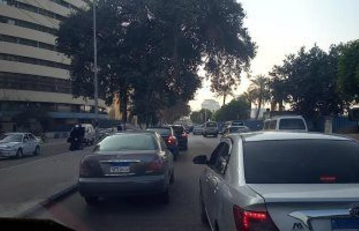 النشرة المرورية.. كثافات مرتفعة بمحاور القاهرة والجيزة أثناء توجه الطلاب للمدارس