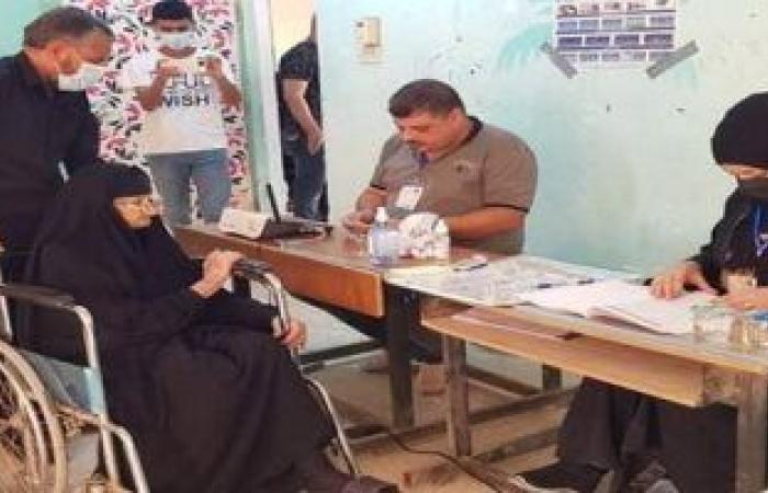 حضور واضح ومبكر لكبار السن بالعراق في الانتخابات التشريعية.. صور