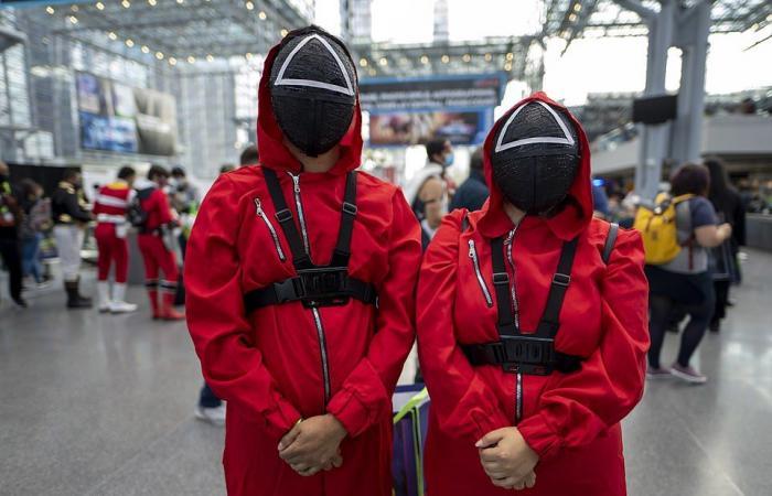 أبطال خارقون وشخصيات Squid Game فى شوارع نيويورك مع عودة مهرجان Comic Con