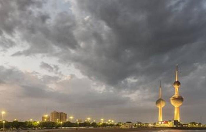 طقس الخليج اليوم.. أمطار على السعودية وغائم في الإمارات وحار في الكويت