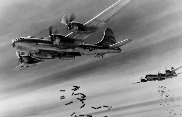 عرض طائرة عسكرية شاركت في الحرب العالمية الثانية للبيع