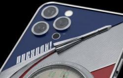 طرح نسخة خاصة من هواتف أيفون لتكريم رواد الفضاء .. صور